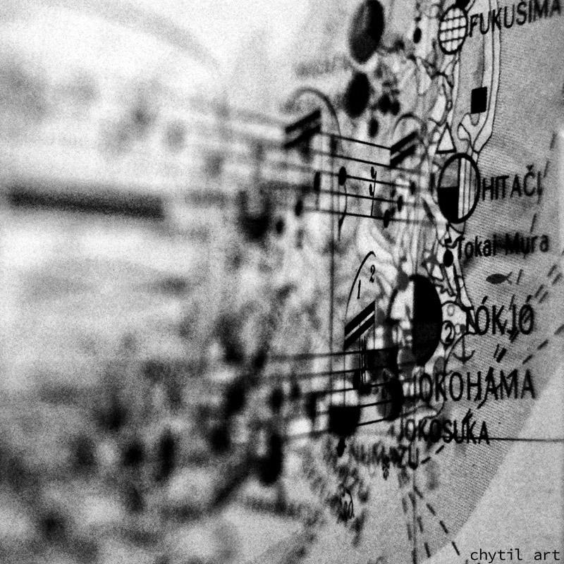 Follow the map – kombinace dvou fotografií – mapa Japonska a notový zápis (two photographs blended together, the map of Japan and sheetmusic)