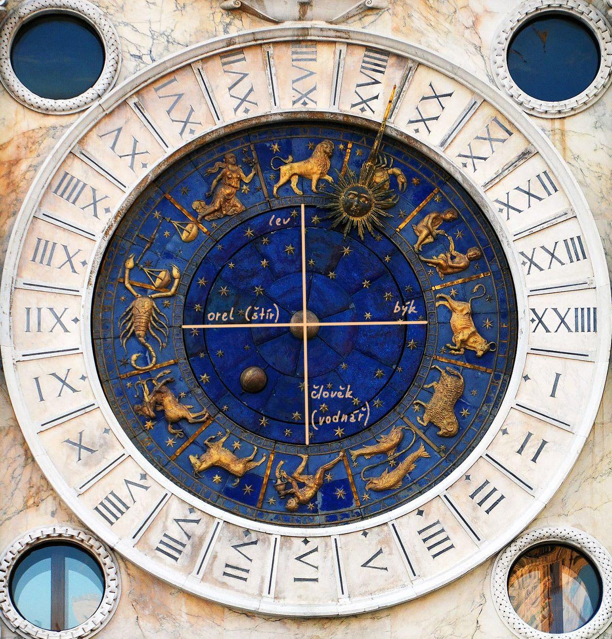 Hodiny Benátky astrologický význam
